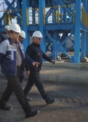 بازدید دکتر جلوداری از کارخانه فرآوری زغالسنگ طبس